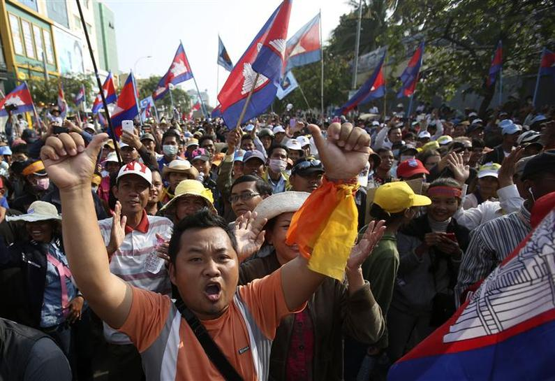 Cambodia Government versus Opposition: Why has Cambodia's longest serving PM arrested his political opponents and put them on trial?